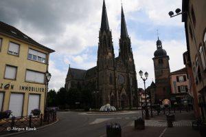 Kirche mit zwei Türmen